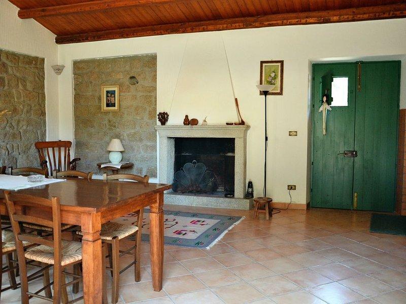 A SOLI 15KM DAL MARE TUFFATI NEL PASSATO VIVENDO IL  PRESENTE TRA NATURA E RELAX, holiday rental in Monti
