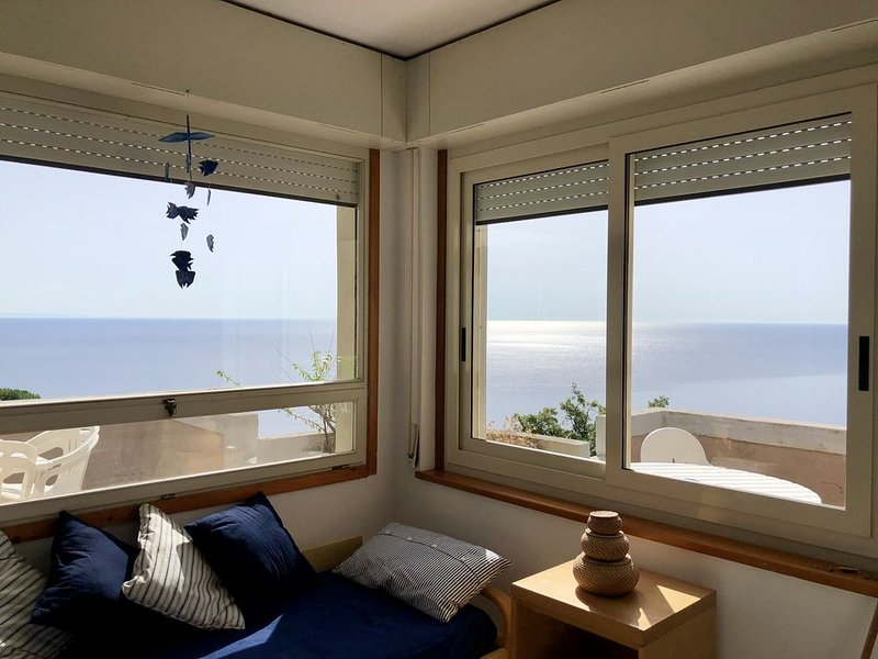 Appartamento con super vista mare, holiday rental in Caminia