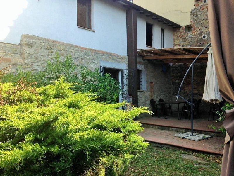 Paradiso per famiglie in Umbria, nel borgo medioevale di Poggio Aquilone, casa vacanza a Pornello