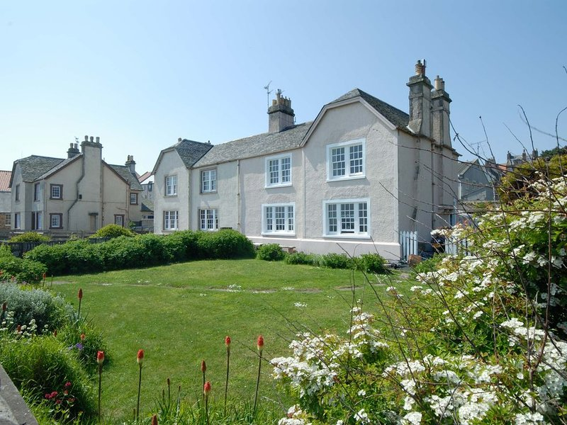 Seaside cottage on beach Scotland, holiday rental in East Lothian