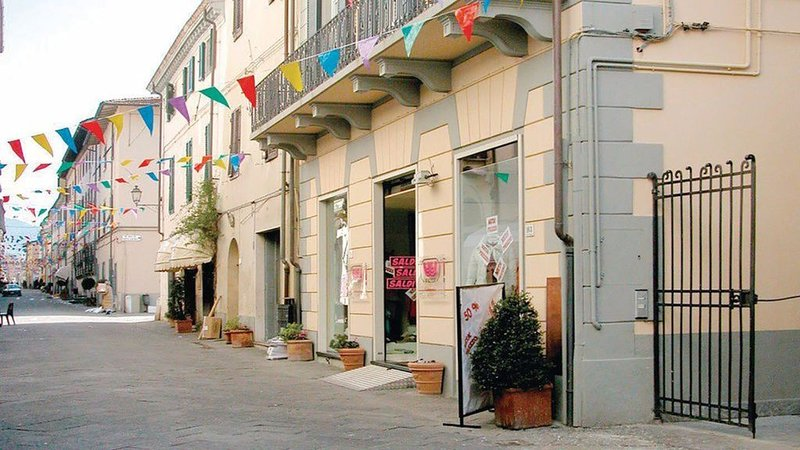 Centro Storico Camaiore appartamento romantico e confortevole., aluguéis de temporada em Camaiore