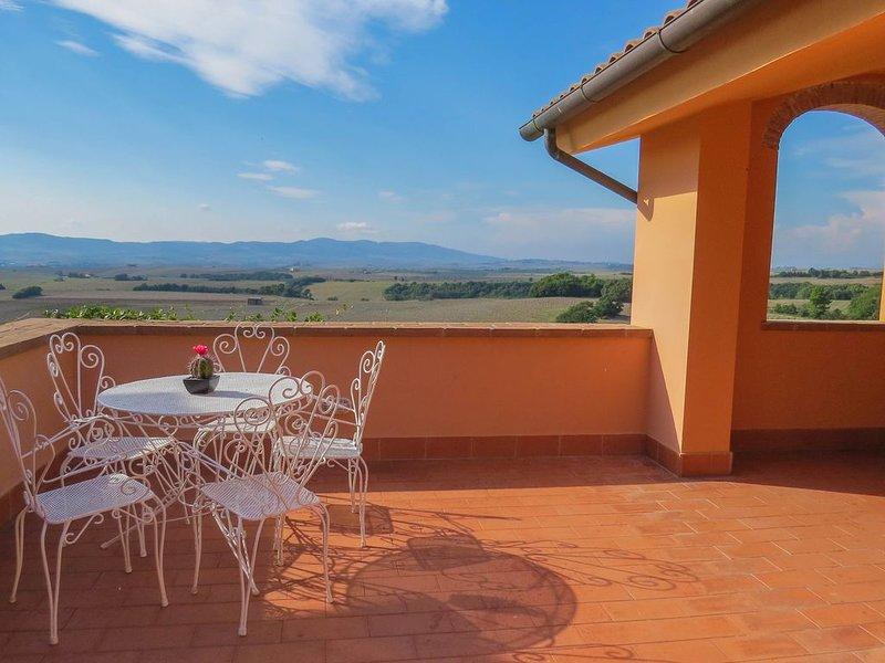 Ferienwohnung in Reihenhaus mit Terrasse und Panorama Blick, 5 Personen, holiday rental in Pomaia