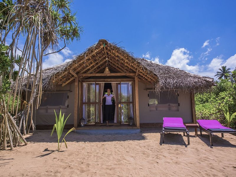 Jungle Beach Camp Ahungalla - Deluxe Glamping Bungalow, holiday rental in Elpitiya