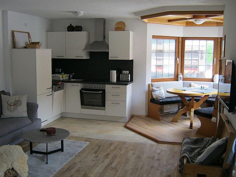 Fewo 3 - attraktive Ferienwohnung für 2-3 Personen in der Ortsmitte, vacation rental in Reit im Winkl