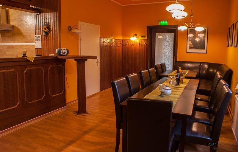 6 Schlafzimmer, 3 Badezimmer, Wohn- Esszimmer und eine offene Küche, holiday rental in Zorge