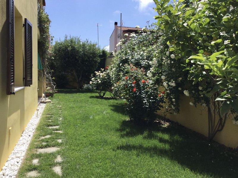 Erholsames Ferienhaus für max. 6 Personen in Pula, Süd-Sardinien, holiday rental in Villa San Pietro