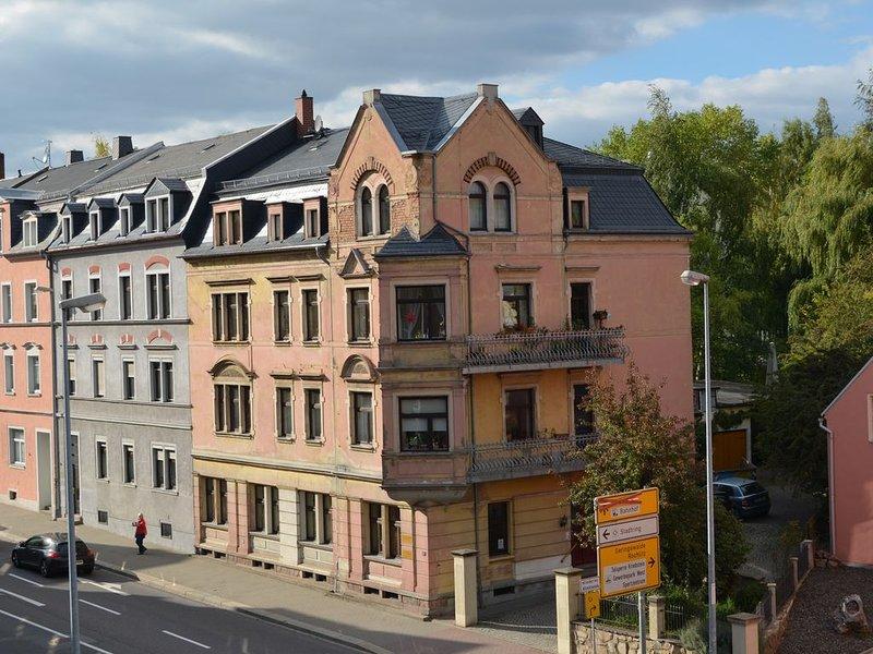 Ferienwohnung - Apartment-Mansardwohnung in Jugendstilvilla im Campusbereich, holiday rental in Hartha