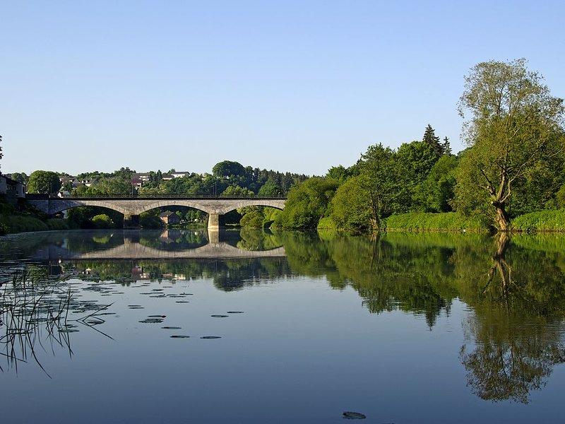 Vallée romantique de Lahn avec pont de Lahn en marbre pur. Construit 1894/1895