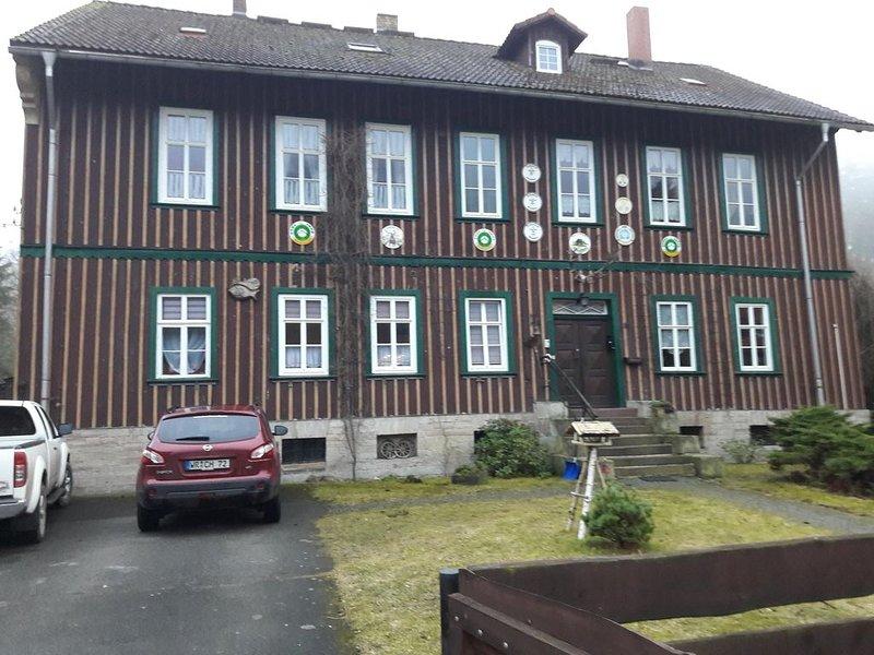 Ferienwohnung im alten Forsthaus mit Pellet-Kamin,direkt an der Bode gelegen., aluguéis de temporada em Neuwerk