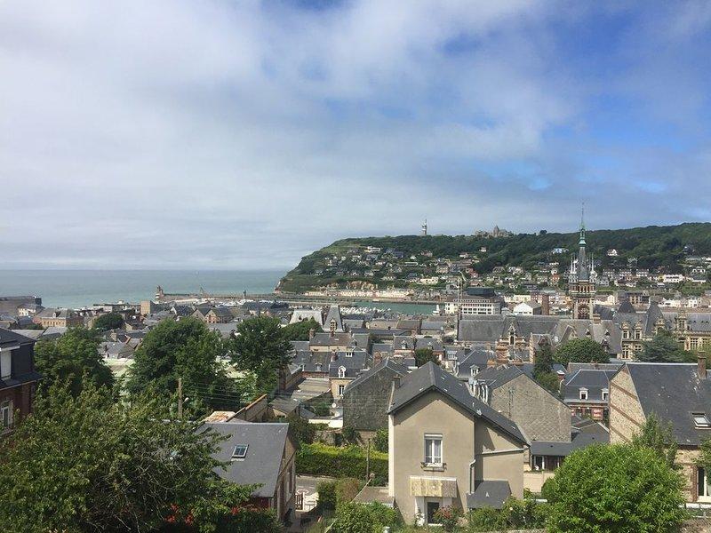 Appartement moderne vue Panoramique sur la mer, location de vacances à Fecamp