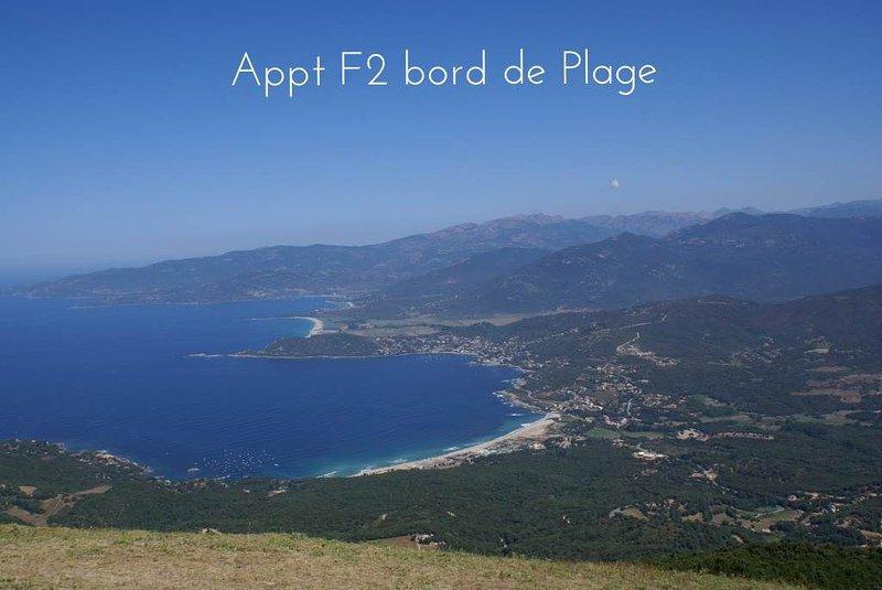 Appartement F2 dans Parc fleuri, accès direct à la Plage, location de vacances à Calcatoggio