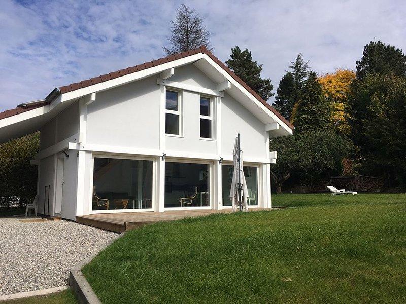 MAISON NEUVE DE VACANCES  ANNECY LE VIEUX IDEALE POUR FAMILLE AVEC ENFANTS, holiday rental in Annecy-le-Vieux