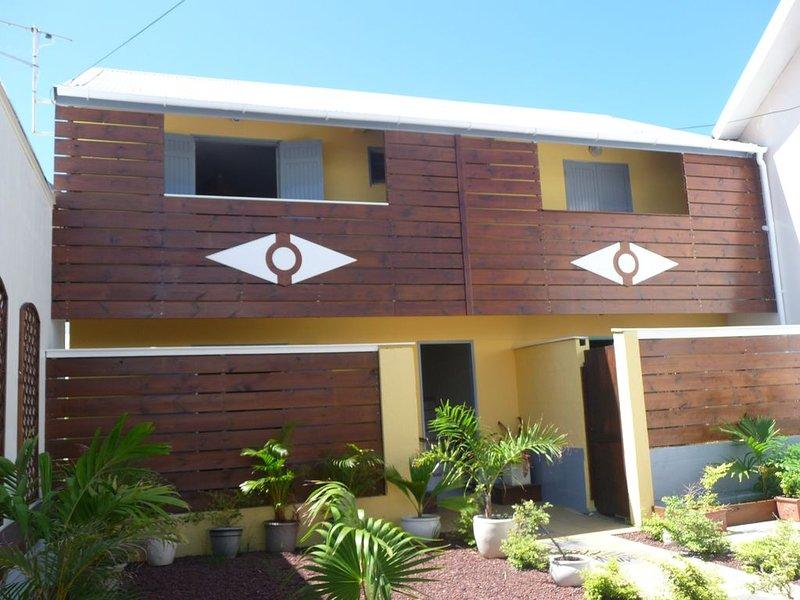 Beau Studio à proximité de l'océan à Terre Sainte,, holiday rental in Mont-Vert les Bas