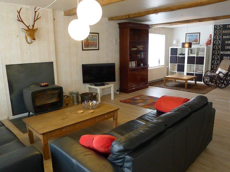 Grande et confortable maison de vacances, idéale pour réunions de famille / amis, location de vacances à Couvin