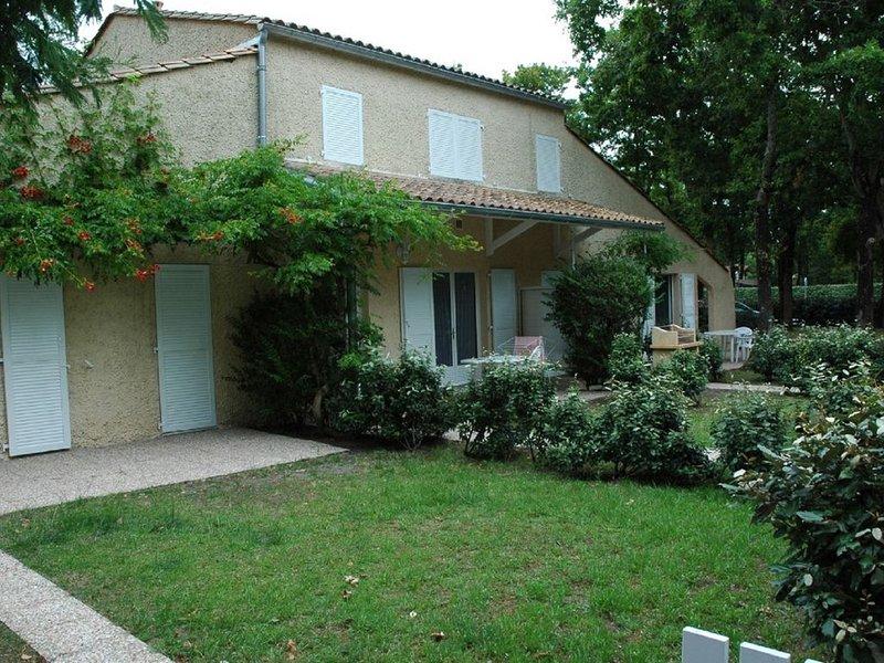Appartement SOULAC SUR MER À 500m de la plage n°1, holiday rental in Soulac-sur-Mer