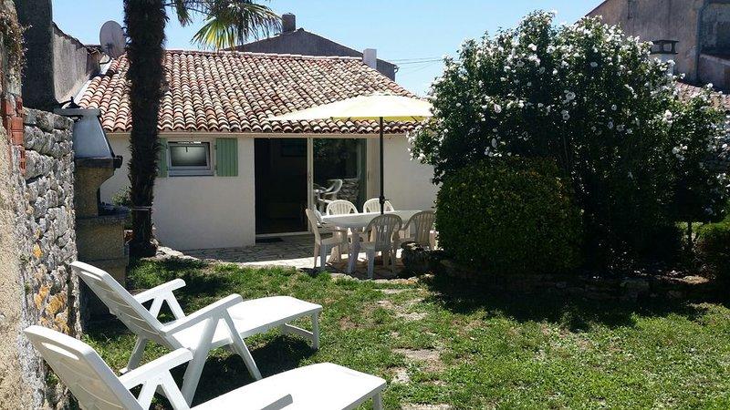 Maison charmante au calme au pied de l'île d'Oléron, vakantiewoning in Marennes
