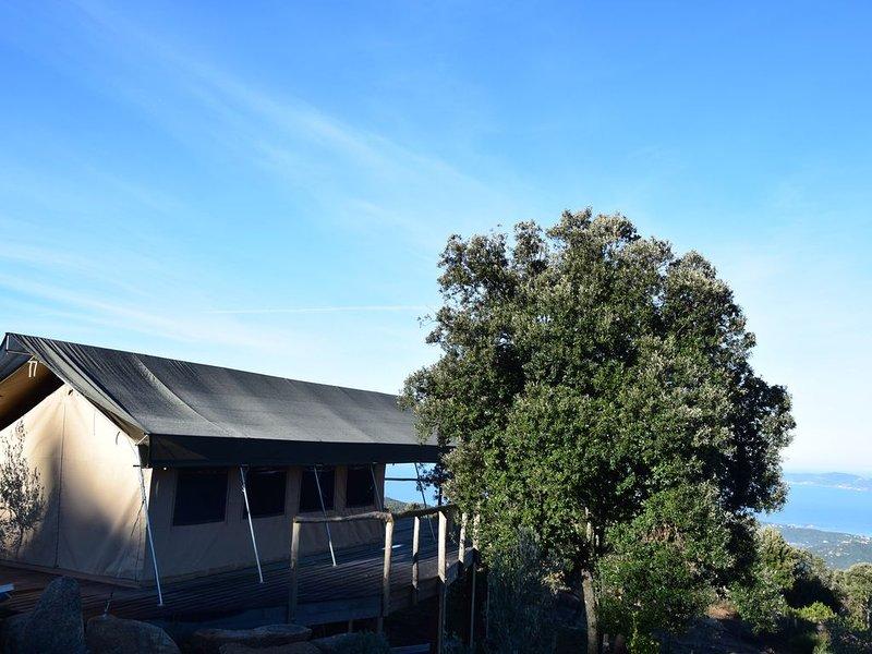 Ecolodge et piscine en pleine nature, casa vacanza a Pila-Canale