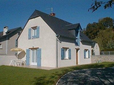 Gîte spacieux et calme à Peyrouse, à 5 min de Lourdes, au pied des Pyrénées, holiday rental in Lestelle Betharram