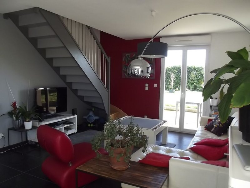 MAISON CONTEMPORAINE PROCHE DE SAINT MALO, holiday rental in Chateauneuf-d'Ille-et-Vilaine