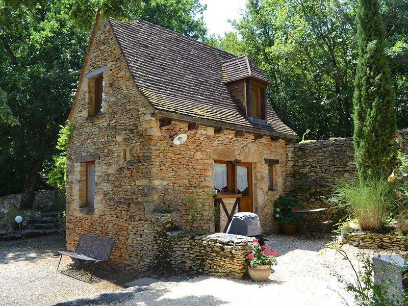 Gite de charme dans Périgord Noir à 20 mn de Sarlat, holiday rental in Castels