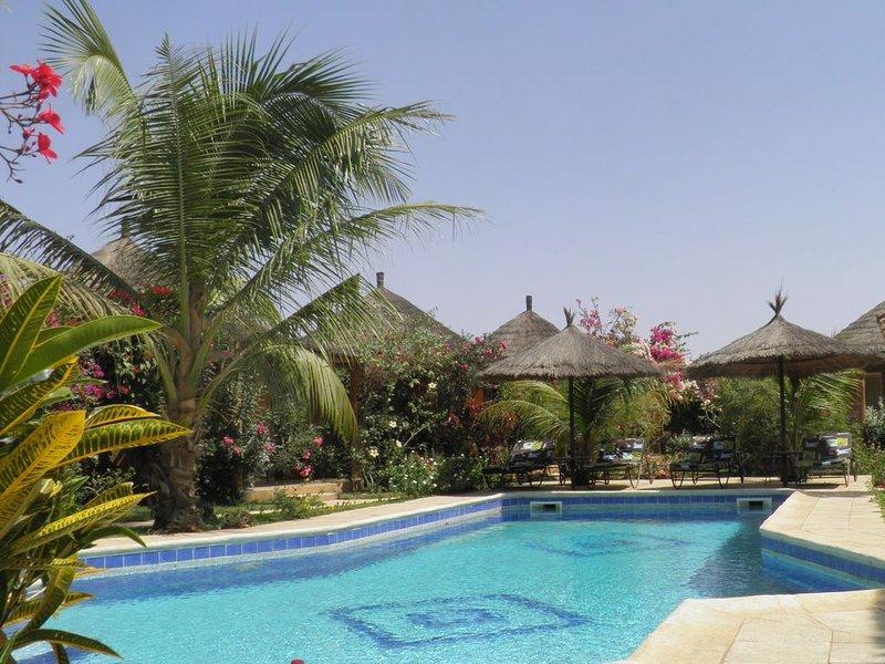 Case  africaine  grand confort sur domaine avec piscine, vacation rental in La Petite Cote