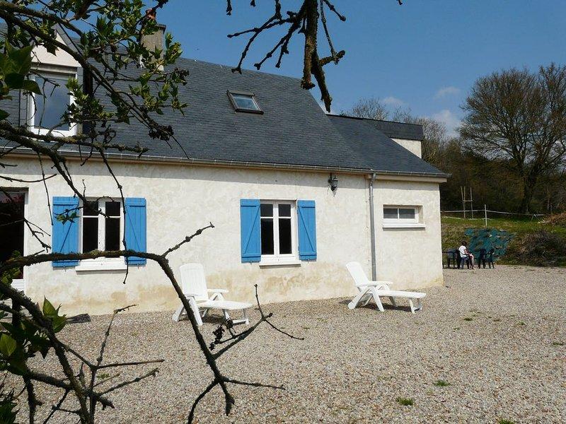 Gite situé en campagne à proximité du lac et de la forêt de Sillé le guillaume, casa vacanza a Saint-Georges-le-Gaultier