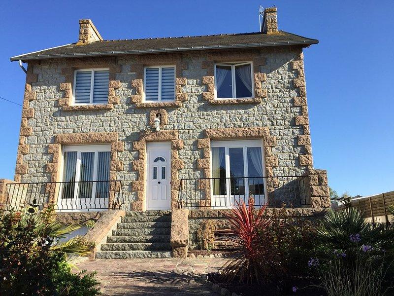 Belle maison pour 4 à 7  personnes, holiday rental in Henansal