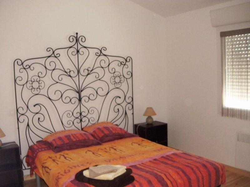 Maisonnette 4 pers tout confort, terrasse et WIFI, proche plages ROYAN, linge, vacation rental in l'Eguille sur Seudre