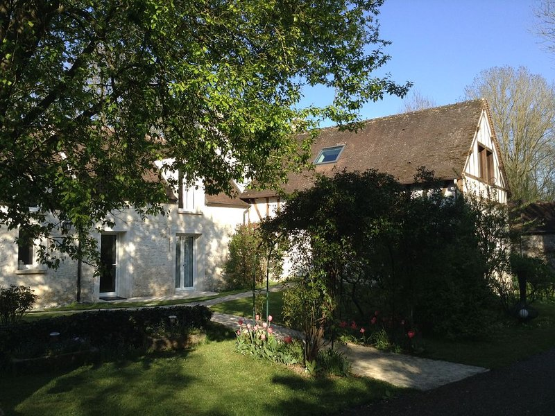 Maison en bord de rivière., alquiler de vacaciones en Corbeil-Essonnes