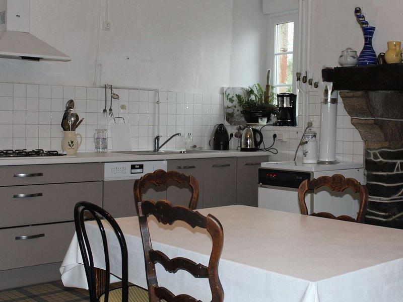 Maison de famille Proche de Morlaix, profitez de la campagne et de la mer, holiday rental in Le Cloitre-Saint-Thegonnec