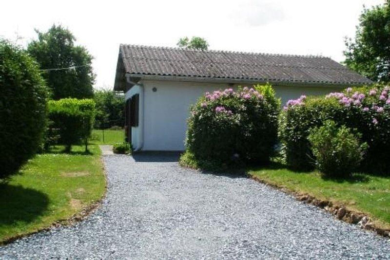 Maison de campagne en Pays d'Auge-25 mn de la mer, holiday rental in Le Breuil-en-Auge