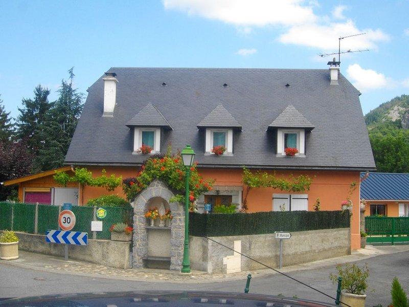Gîte 'le Béout' : Aux Pieds Des Pyrénées, à 3km de Lourdes – semesterbostad i Bartres