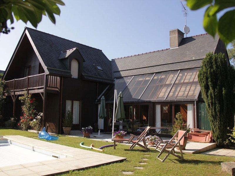 Maison de charme avec piscine chauffée, vacation rental in Le Minihic-sur-Rance