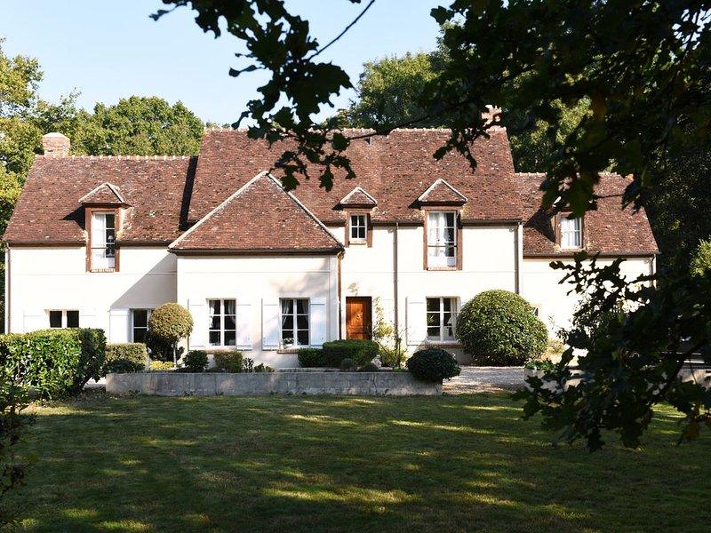 Maison Familiale, Récéption possible, Piscine Chaufée, Calme et tranquilité, holiday rental in Saint-Augustin