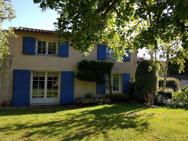 Maison de caractere et de charme à La Rochelle, location de vacances à Sainte-Soulle