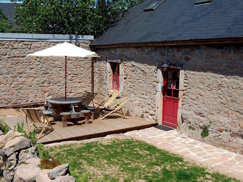 maison dans parc naturel du Morvan à quarre les tombes pour 8 personnes, holiday rental in Saint-Germain-des-Champs