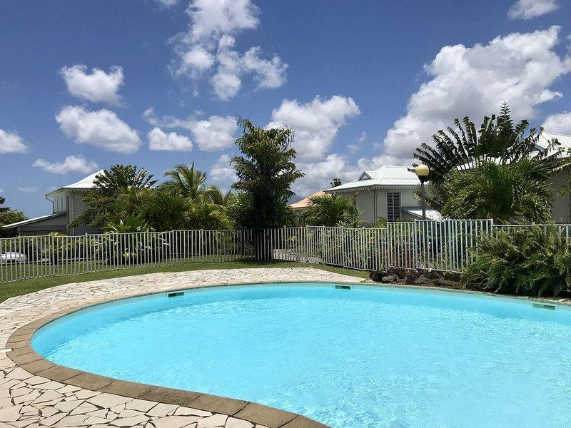 Vacances de rêve aux Trois Ilets, 130m2 - 3 chambres avec jardin + piscine, location de vacances à Trois-Ilets