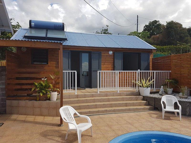 Confortable chalet au calme à Moufia-Réunion, location de vacances à Arrondissement de Saint-Denis