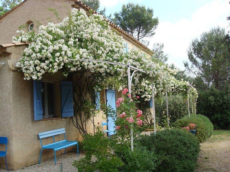 Maison au calme en pleine nature idéale pour la famille et se ressourcer, casa vacanza a Ponteves