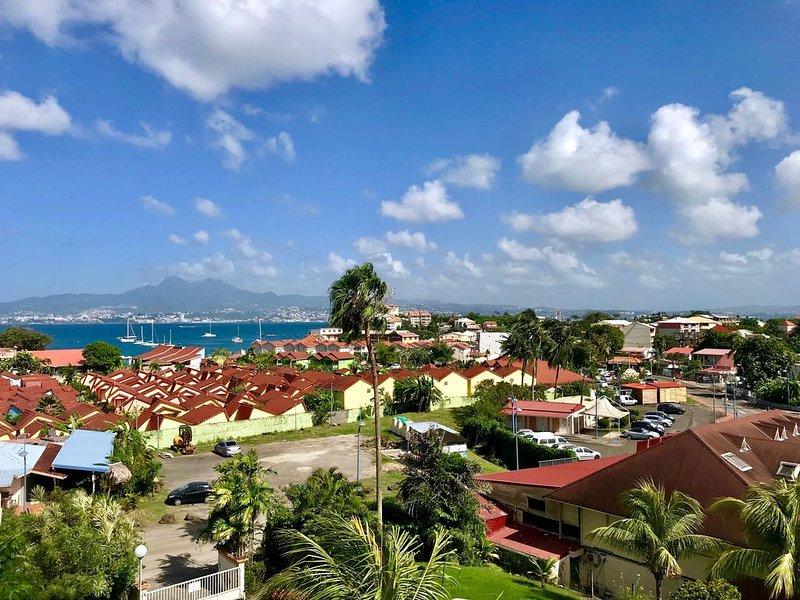 Duplex 103m2, 3 chambres, 6 personnes, plage à 200 mètres = SUPER VACANCES, holiday rental in La Pagerie