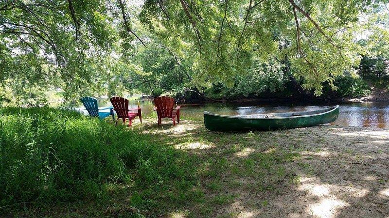Le Rusti Shak /Chalet /Bord de l'eau/Pet Friendly�/ Mont-Tremblant /Laurentide, holiday rental in Lac-des-Plages