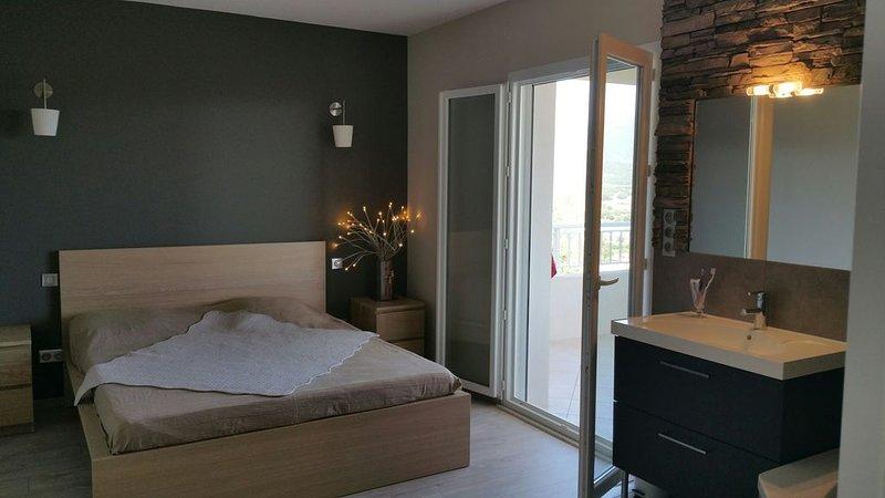 MAISON CHALEUREUSE IDEALEMENT SITUEE  - TRES BELLE VUE -, Ferienwohnung in Bastelicaccia