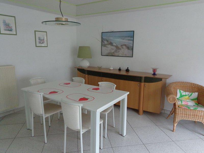 Agréable appartement à 50 mètres de la digue à 500 mètres du Casino de Knokke, location de vacances à Zeebrugge