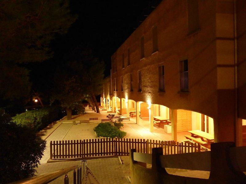 Appart G + Terrasse + Parc + Tennis, proxi Mer, au coeur de la Côte Bleue,, location de vacances à Martigues