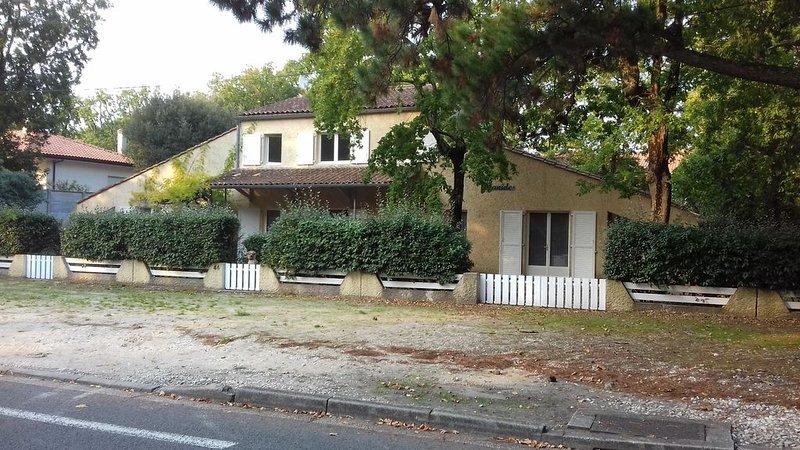 Appartement SOULAC SUR MER À 500 m de la plage n°8, holiday rental in Soulac-sur-Mer