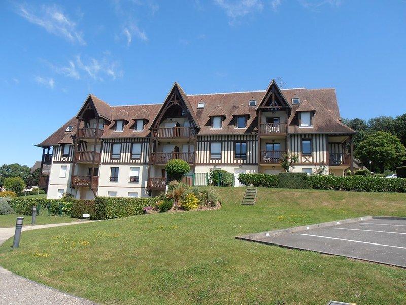 Résidence Domaines des etoiles  sur les collines de Trouville, holiday rental in Trouville-sur-Mer