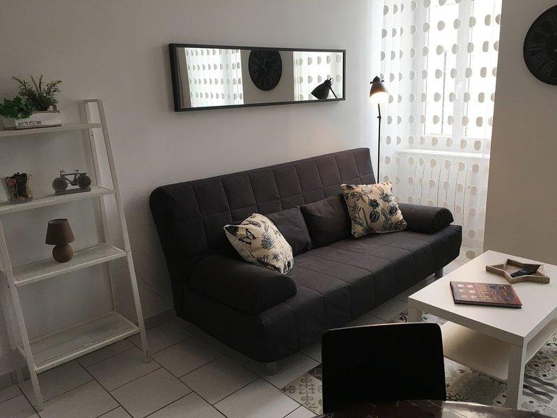 Bel appartement 'ANAIS' CENTRE VILLE  -, aluguéis de temporada em La Roque-Sainte-Marguerite