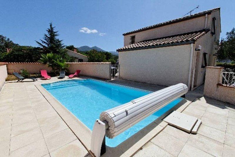 VILLA 9 personnes avec  piscine privée, holiday rental in Le Boulou