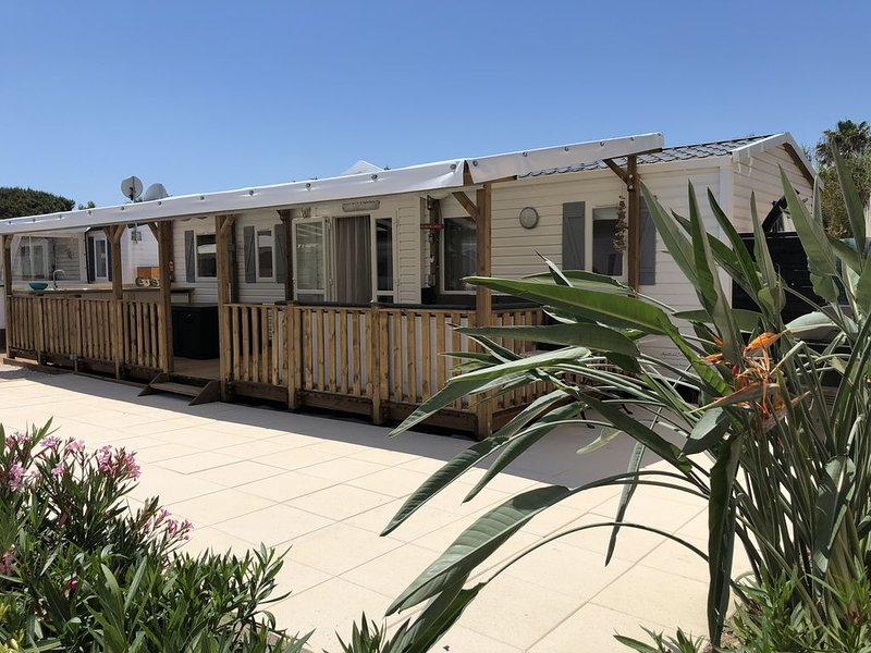 Mobil-Home - Plage de Pamplonne - Toison d'Or, holiday rental in Saint-Tropez
