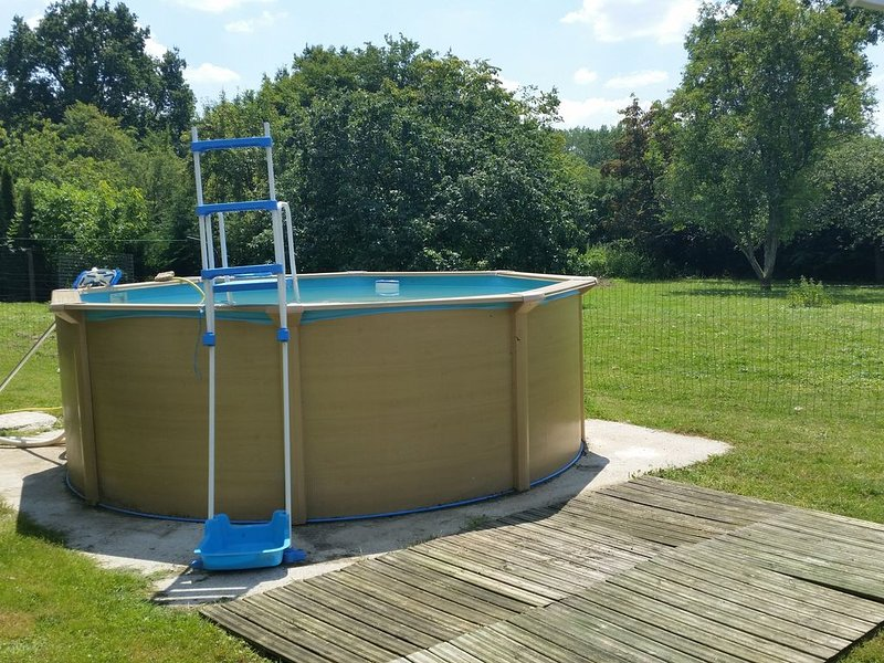 Maison campagne PISCINE proche NIGLOLAND Troyes CHAMPAGNE, holiday rental in Cirey-sur-Blaise